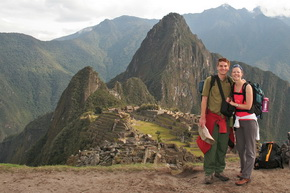 Machu Picchu travel packages for couples. Family tours.